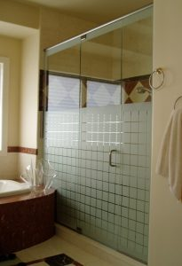 get Neo-Angle Glass Shower Doors in Spring Grove